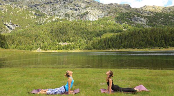 pracicar yoga en islas canarias